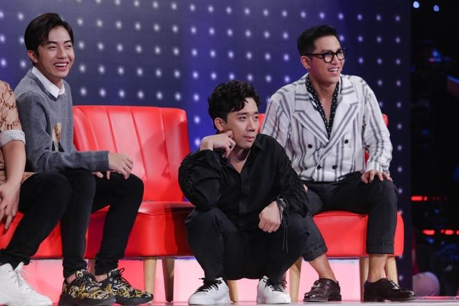 Hien Ho - Tien Dung tranh nhau hat cung trai dep hinh anh