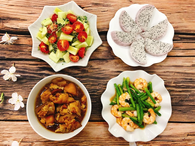 Gợi ý mâm cơm nhà đơn giản cho ngày nóng nực không biết ăn gì - Món ngon
