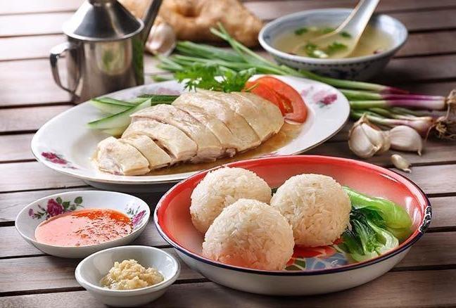 Cong thuc don gian che bien com ga Hai Nam chuan vi Singapore hinh anh