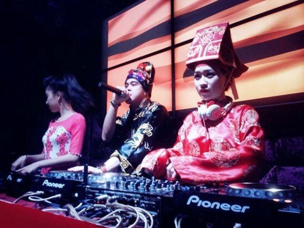 DJ Tit lam Tao quan choi nhac trong vu truong hinh anh