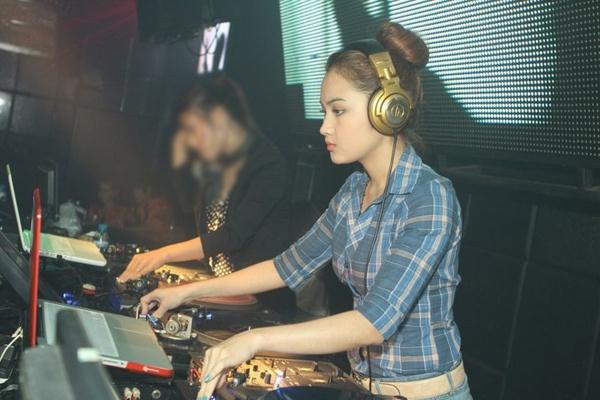 Xuat than khon kho cua 4 nu DJ dinh dam hinh anh 6