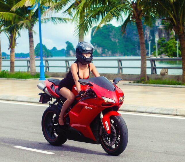 Co gai Quang Ninh sinh nam 1996 cuoi Ducati gay chu y hinh anh 1