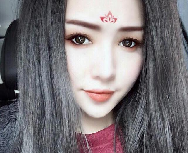 Hot girl Viet ru nhau hoa than thanh Vo Tac Thien hinh anh