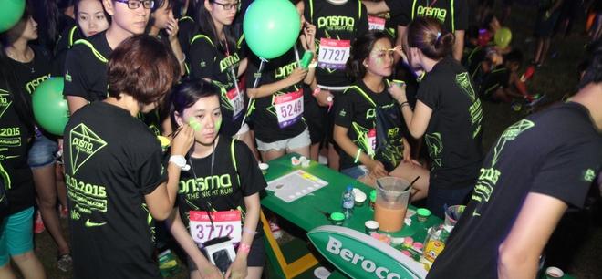 7.000 nguoi tham gia dem hoi chay bo Prisma Night Run hinh anh 2