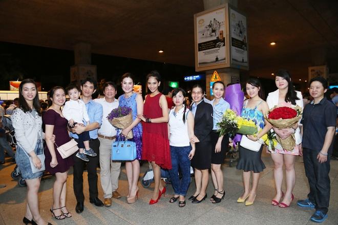 Truong Thi May mat moc di don A hau doanh nhan Phuong Le hinh anh 6