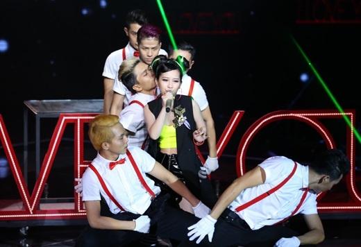 Nguyen Dieu Mi doi Tuan Hung the hien 'I love you
