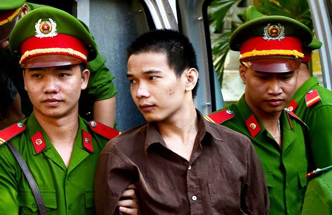 Tham sat Binh Phuoc: Clip Vu Van Tien xin giam an tu hinh anh
