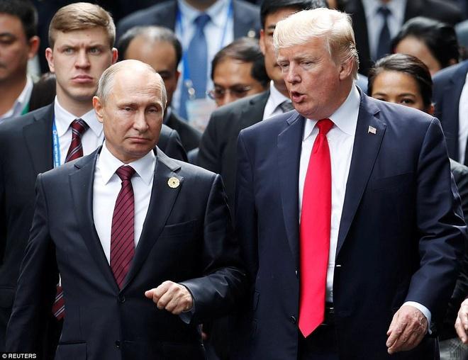 Ong Trump, Putin than thien khi chup anh o ban dao Son Tra hinh anh