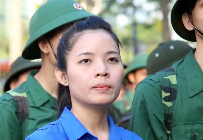 Nu tan binh Sai Gon hao hung len duong nhap ngu hinh anh