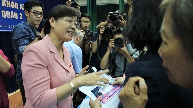 Ba Nguyen Thi Quyet Tam: 'Nghe co bac noi vay xot lam' hinh anh