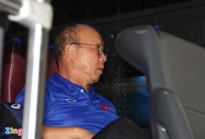 U23 than thien voi nguoi ham mo o san bay Tan Son Nhat hinh anh 11
