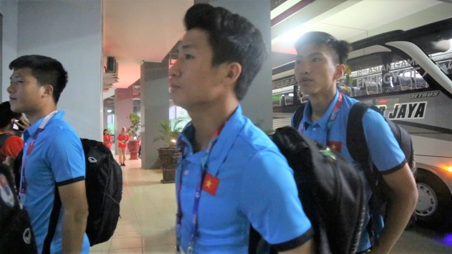 Olympic Viet Nam co mat tai san, san sang tran gap Bahrain hinh anh