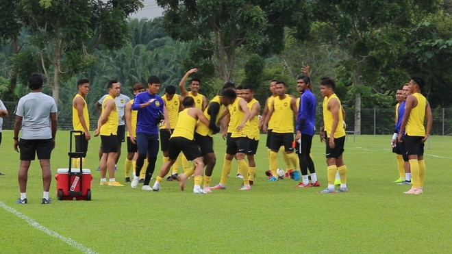 Malaysia tap luyen truoc chung ket luot di AFF Cup voi tuyen Viet Nam hinh anh