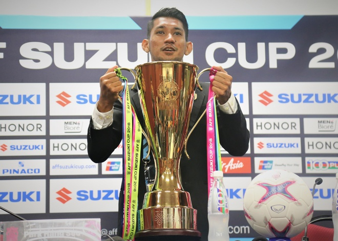 Can canh cup vang AFF Cup truoc tran chung ket Malaysia va Viet Nam hinh anh
