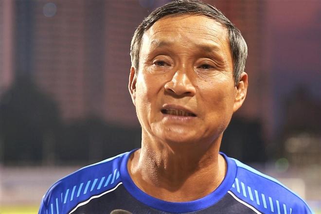 HLV Mai Duc Chung hop bao chien thang cua tuyen nu Viet Nam hinh anh