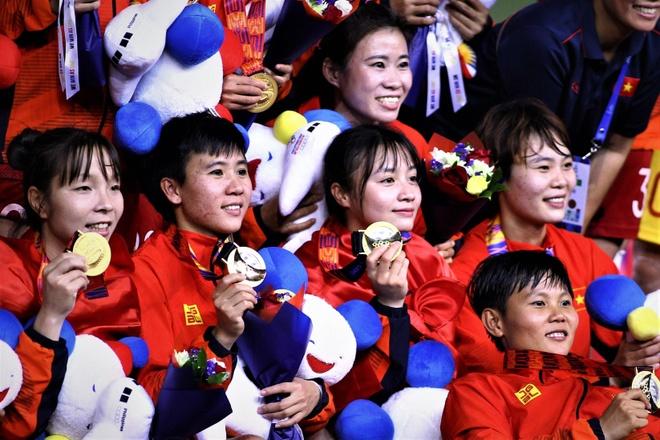 HLV Park: 'Chung toi rat vui neu ve Viet Nam voi 2 HCV cung tuyen nu' hinh anh