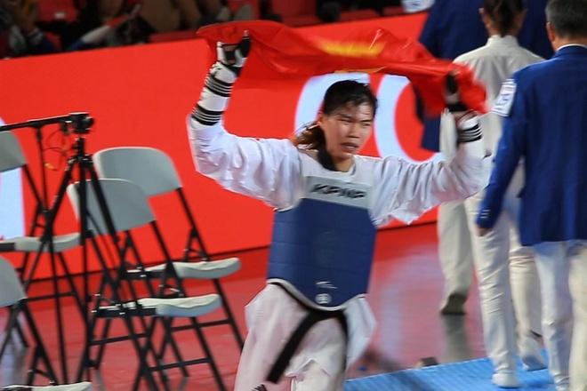 Anh Tuyet an mung HCV taekwondo hinh anh