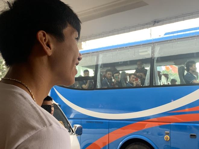 Van Hau quyen luyen chia tay thay Park va dong doi hinh anh
