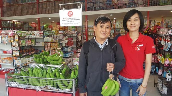 Chuoi Dong Nai tro thanh qua khuyen mai trong sieu thi hinh anh 2