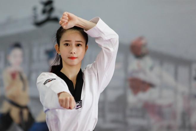 Hot girl Taekwondo: 'Gom du bo suu tap huy chuong toi se co nguoi yeu' hinh anh