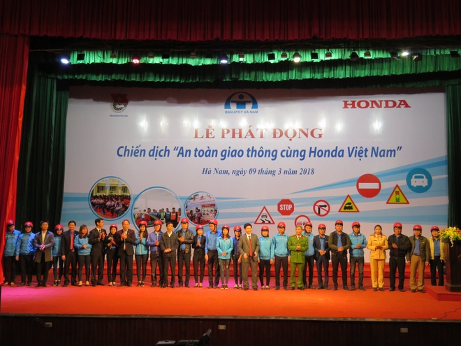 Honda phat dong chien dich an toan giao thong hinh anh 1