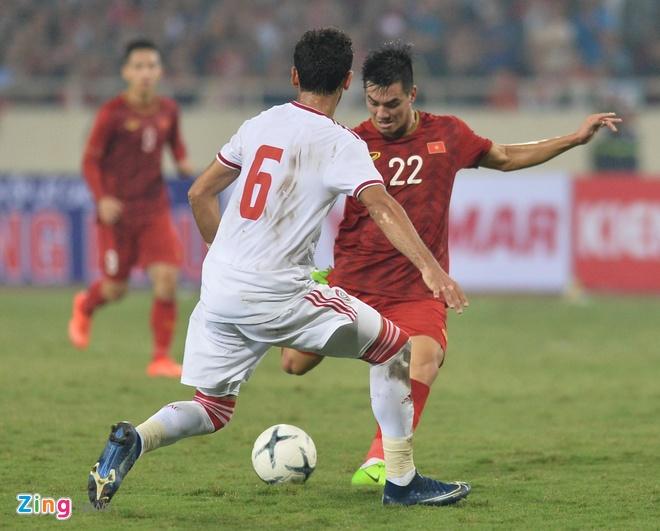 Hong Son: 'Chi Ronaldo moi sut duoc nhu Tien Linh' hinh anh 1