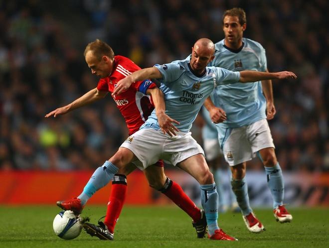 Cuu sao Man City that nghiep suot 2 nam hinh anh 1 Manchester_City_v_Hamburger_SV_UEFA_Cup_9FnNTmo1fLx.jpg