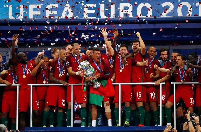 EURO 2020 co the doi sang nam sau vi dich Covid-19 hinh anh 1 bo_dao_nha_ky_tich_euro_2016_se_kho_lap_lai_015006jpg.jpg