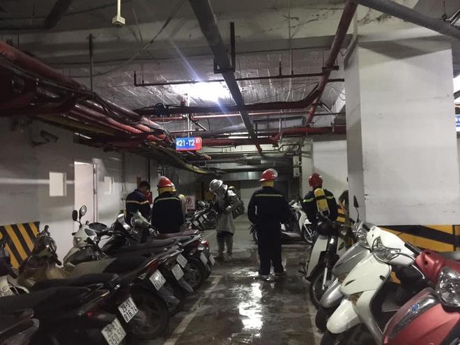 Cháy tầng hầm chung cư cao cấp Hapulico giữa đêm, cư dân hốt hoảng