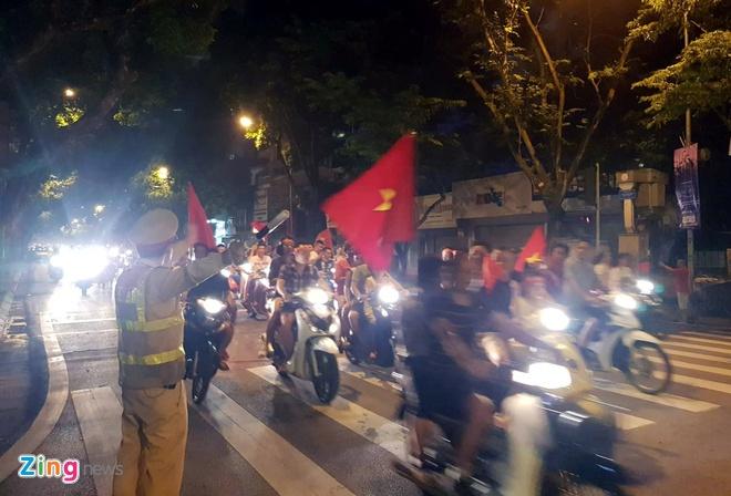 Ha Noi phan luong giao thong phuc vu tran Viet Nam gap Malaysia hinh anh 1
