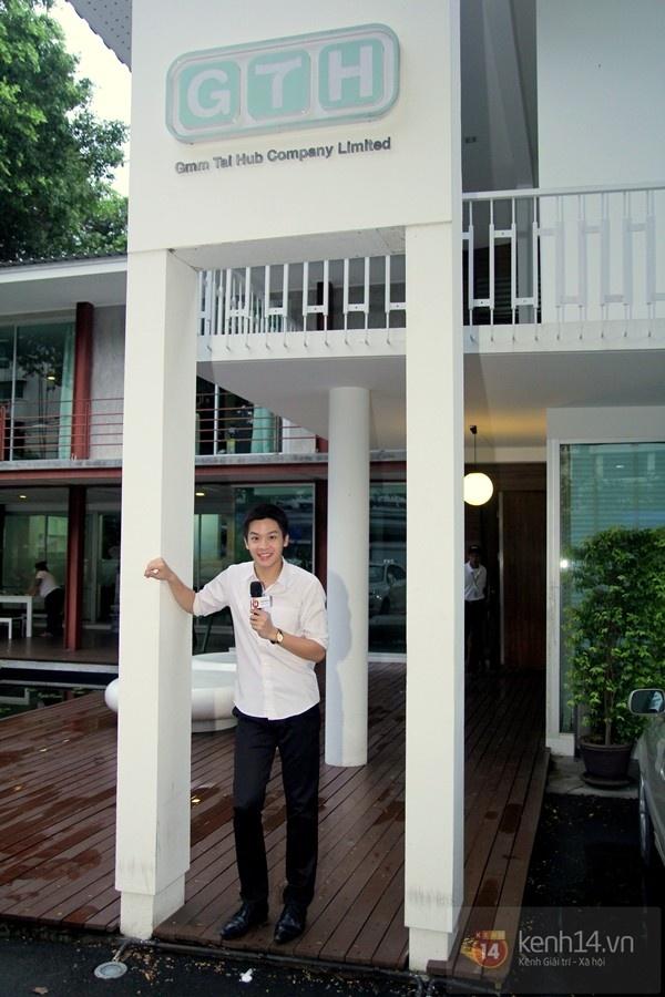 Hot boy Phu 'Tuoi noi loan' noi 'Anh yeu em' voi fan Viet hinh anh 1