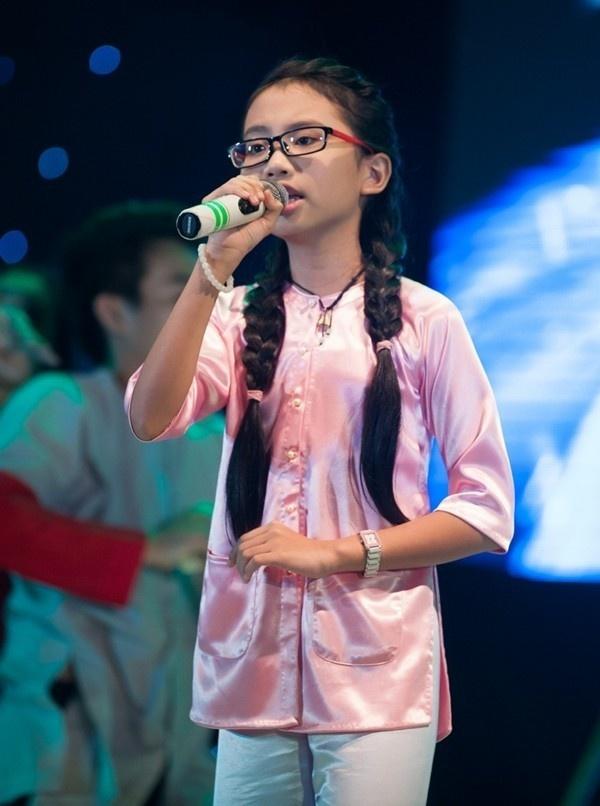 Dung bien Phuong My Chi thanh Angela Phuong Trinh thu hai hinh anh 7