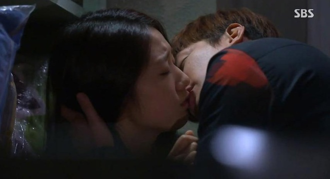 Nhung 'canh nong' trong phim 'The Heirs' hinh anh 9