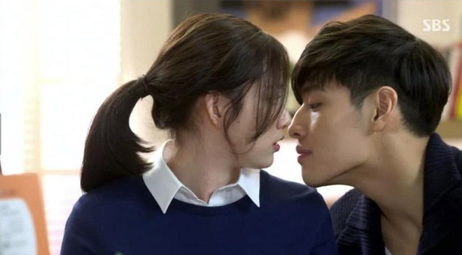 Nhung 'canh nong' trong phim 'The Heirs' hinh anh 2
