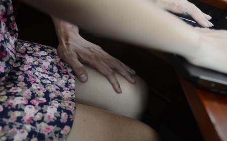 Canh giac voi nhung ten bien thai tren duong pho Sai Gon hinh anh 1 Đối tượng thường là nữ giới.