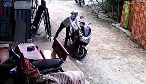 Clip trom xe trong mot phut tai Sai Gon hinh anh