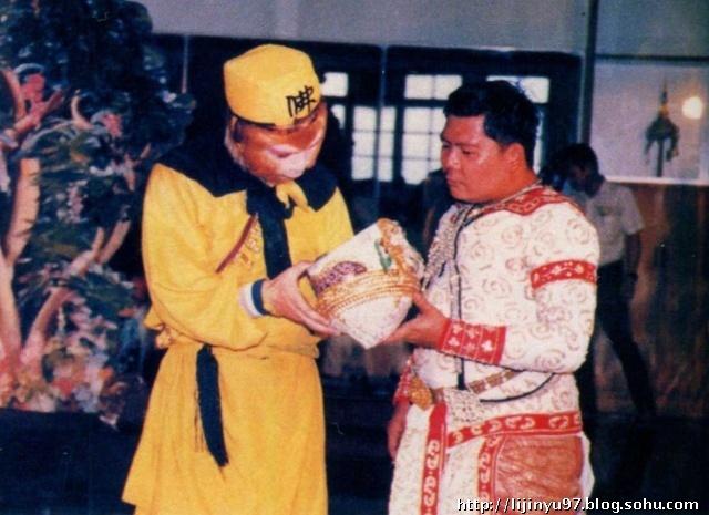 Anh hau truong hai huoc cua 'Tay du ky 1982' (Phan 2) hinh anh