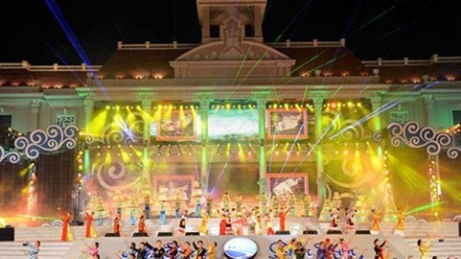 Le khai mac Festival bien Nha Trang truc tiep tren VTV1 hinh anh
