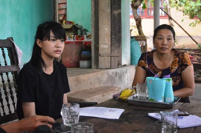 'Nu sinh 29 diem thi truong cong an nen chuyen nganh hoc' hinh anh 1 Bùi Kiều Nhi và mẹ.