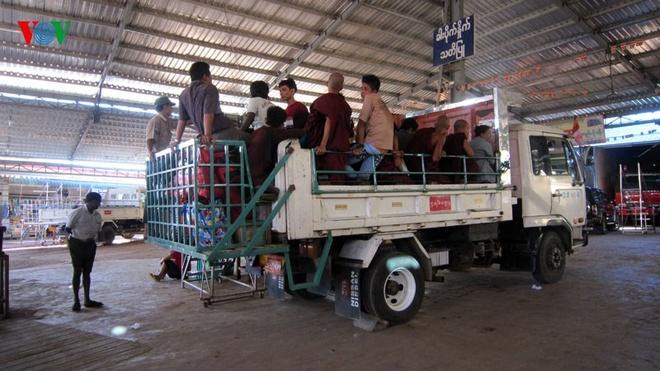 Ngoi chua doc dao tren Hon Da Vang o Myanmar hinh anh 6