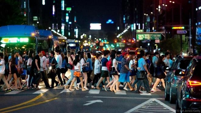 Seoul - thanh pho dang song nhat the gioi hinh anh 4 Seoul kết thúc một ngày làm việc.