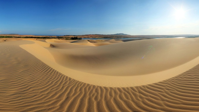 Suc quyen ru ngot ngao cua gio va cat Mui Ne hinh anh 1 Sức quyến rũ ngọt ngào của gió và cát Mũi Né - 1 Cồn cát Mũi Né. Ảnh: vietnamtrave