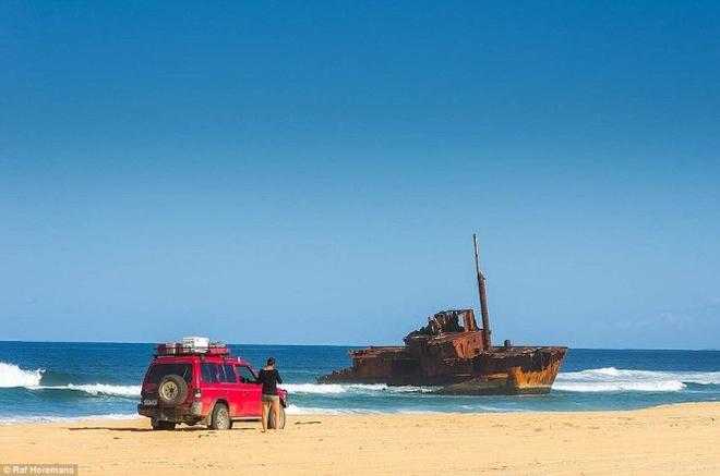 Anh chang lai xe xuyen Australia va sang Viet Nam chup anh hinh anh 4 Raf nói anh đã thấy xác con tàu SS Maheno trên đảo Fraser.