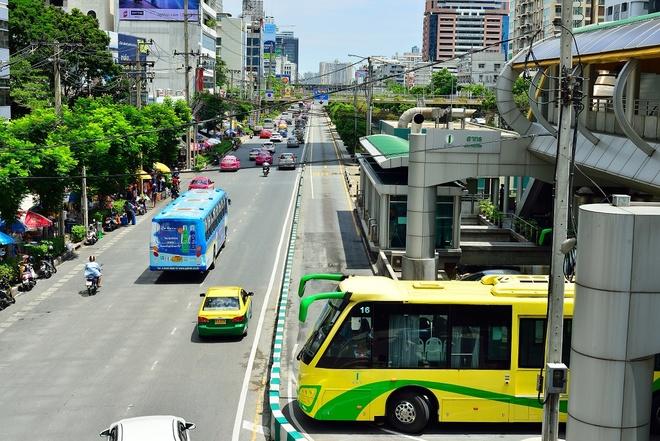 Xe buyt nhanh BRT tai cac nuoc lang gieng anh 4