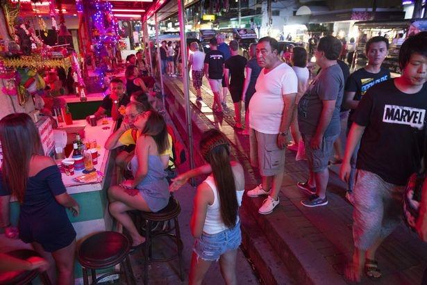 Thai Lan siet chat quan ly 'thu phu mai dam' Pattaya hinh anh 1