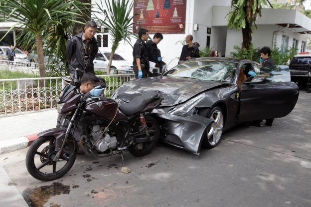'Quy tu' bi cao buoc di sieu xe Ferrari tong chet canh sat Thai hinh anh 2