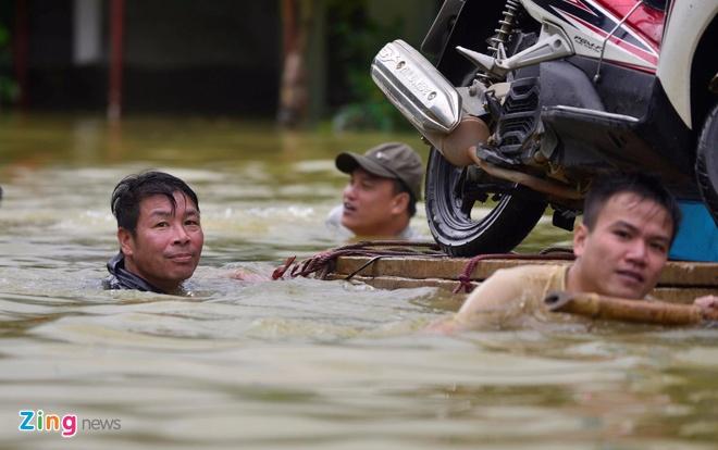 Bo truong Nong nghiep chi dao viec ung pho voi con bao so 11 hinh anh