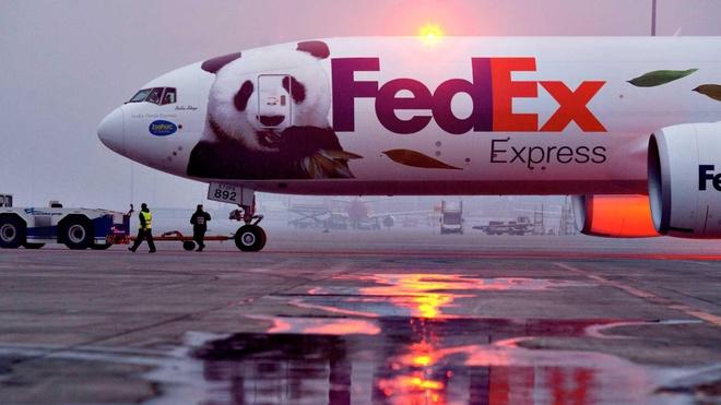 Huawei bi FedEx cam van chuyen anh 1