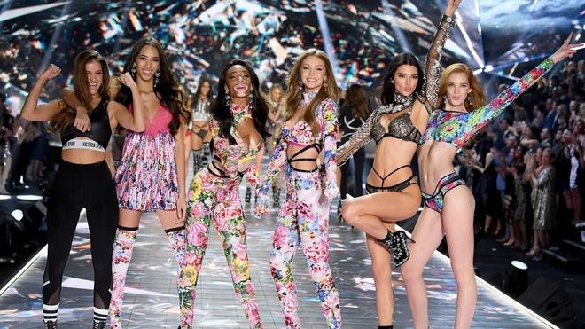 Diem lai nhung thang tram cua Victoria's Secret hinh anh 2