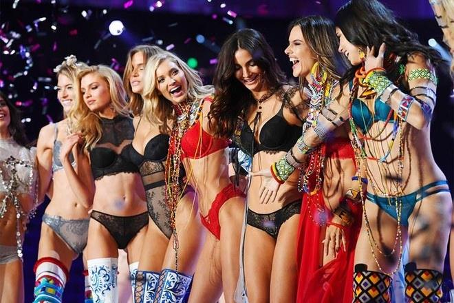 Diem lai nhung thang tram cua Victoria's Secret hinh anh 3